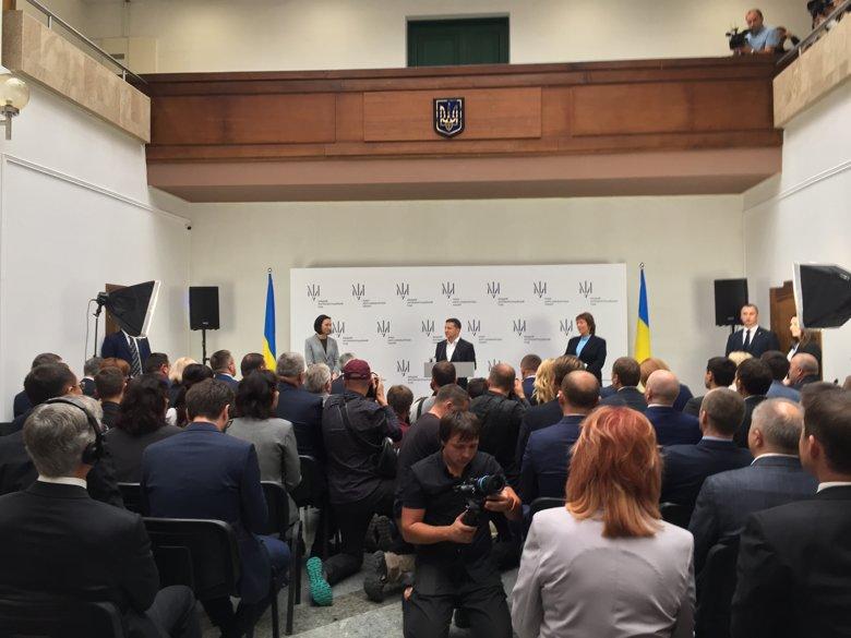 В українській столиці офіційно розпочав свою роботу новостворений суд, законопроект про запуск якого Петро Порошенко підписав ще рік тому.