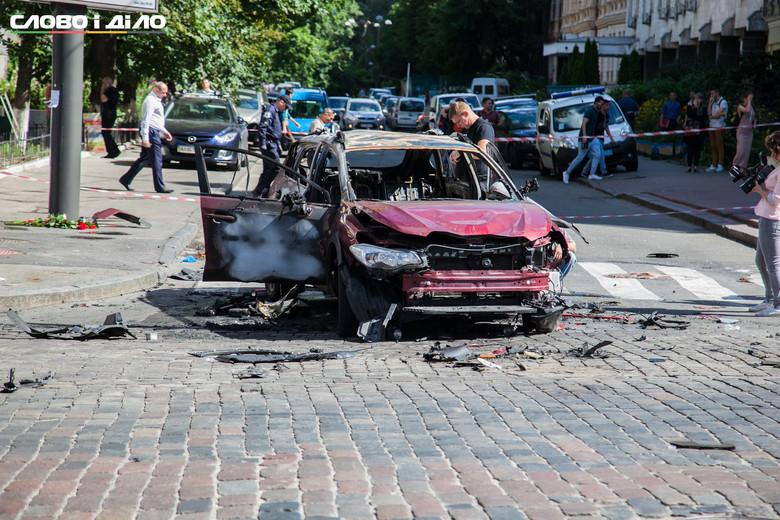 Столична поліція попередньо кваліфікує загибель відомого журналіста Павла Шеремета як убивство.