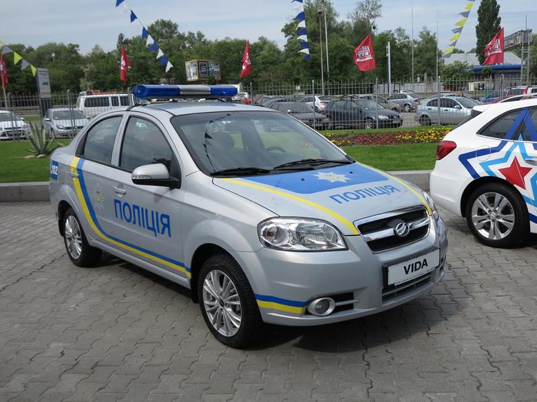 Запорізький автомобільний завод замінить ЗАЗами розбиті патрульні Тойоти Національної поліції України.
