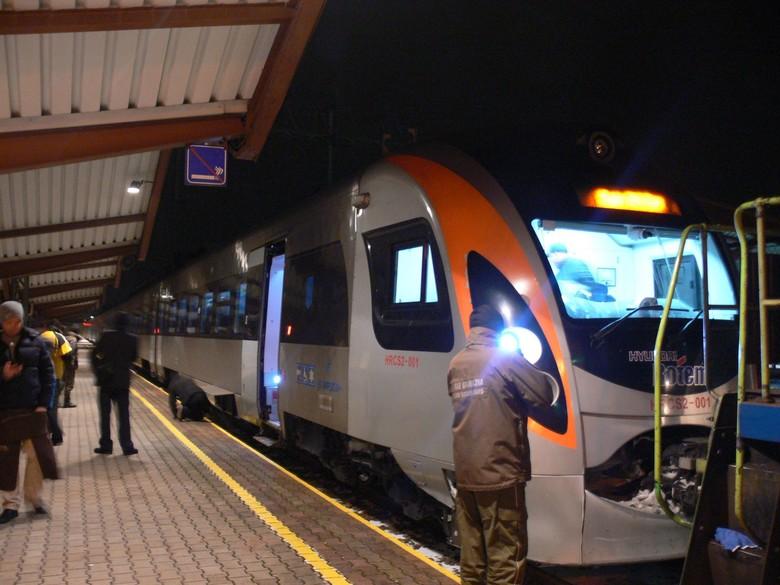 Один из участников польской волонтерской группы linia102.pl Кароль Гайджик опубликовал фотографии украинского поезда Интерсити+, который прибыл в Перемышль.