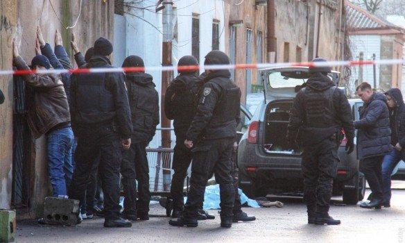 ВОдесі поліція застрелила чоловіка, який під час затримання поранив трьох правоохоронців