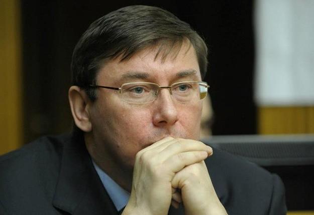 Лідер фракції «Блоку Петра Порошенка» заявив: оперативні дані свідчать, що вірогідність поновлення бойових дій на сході України надзвичайно висока.
