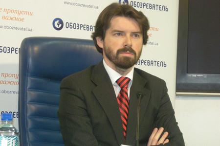 Голова Комітету економістів України поділився міркуваннями, чому Європейський Союз насправді вирішив профінансувати українських держслужбовців-реформаторів.