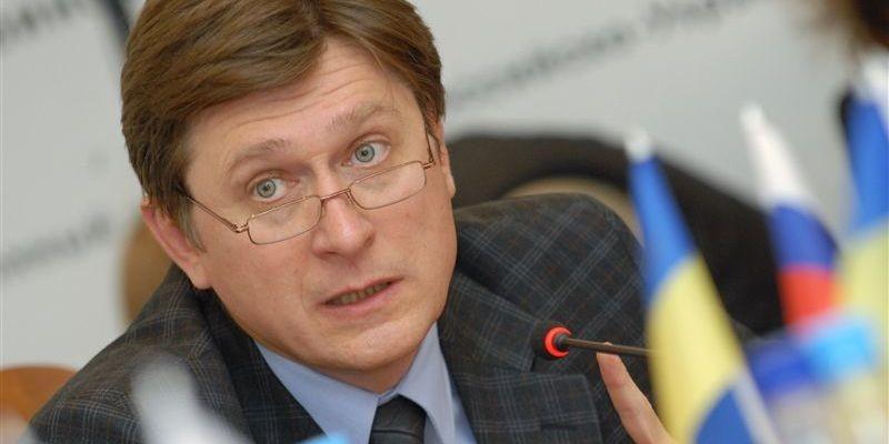 Політолог поділився міркуваннями стосовно ініціативи проводити люстраційні перевірки кандидатів у депутати та зауважив про необхідність люстрації суддів.