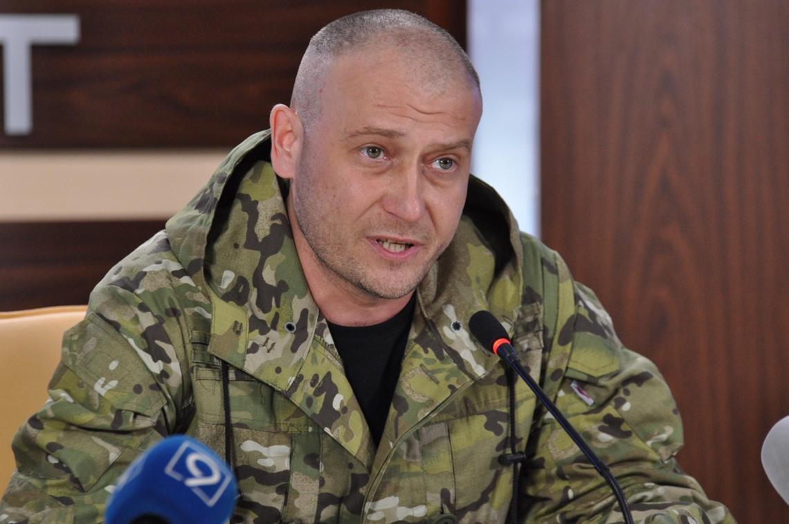 Дмитро Ярош пообіцяв, що ДУК «Правий Сектор» не складе зброї та продовжуватиме воювати пліч-о-пліч з військовими Збройних сил України.