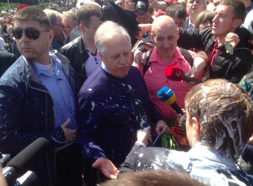 Першотравнева акція комуністів у Києві пройшла без особливих інцидентів, якщо не брати до уваги незначні провокації з боку радикально налаштованих молодиків.