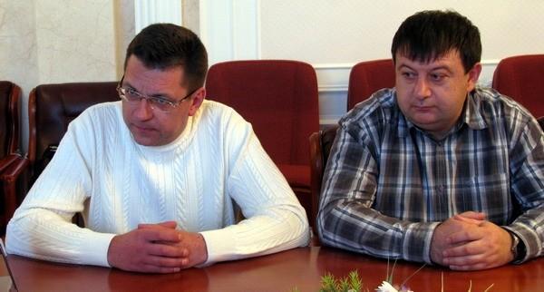 «Слово і Діло» розпочинає здійснювати моніторинг рівня відповідальності потенційних кандидатів на посаду міського голови в адміністративних центрах України в контексті мерських виборів восени 2015 року.