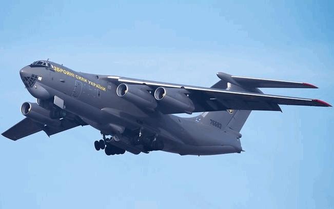 Літак Міністерства оборони України Іл-76 вилетів з Делі в аеропорт Баку, на борту літака перебуває 76 громадян України, а також 11 іноземців з Грузії, Польщі, Росії та Франції