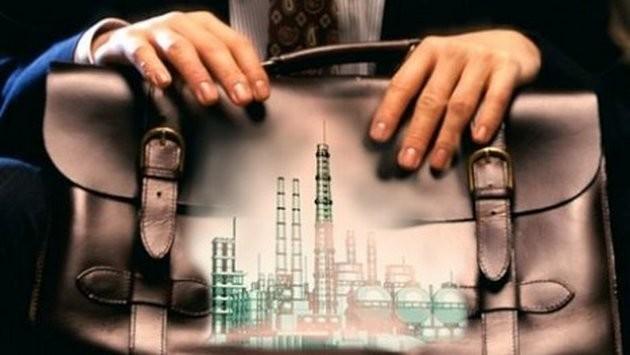 Учора Кабінет міністрів оприлюднив постанову №271 «Про проведення прозорої та конкурентної приватизації в 2015 році». «Слово і Діло» вирішило розібратися, чи буде приватизація такою прозорою та конкурентною, як сказано в назві документа.