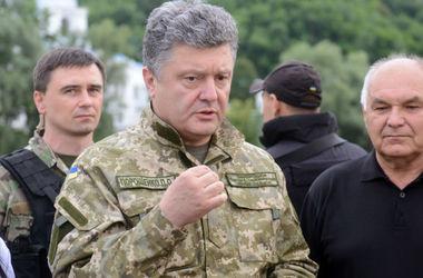 Президент говорить, що за час «псевдоперемир'я» Російська Федерація встигла стягнути до зони конфлікту 11 тисяч своїх військових.