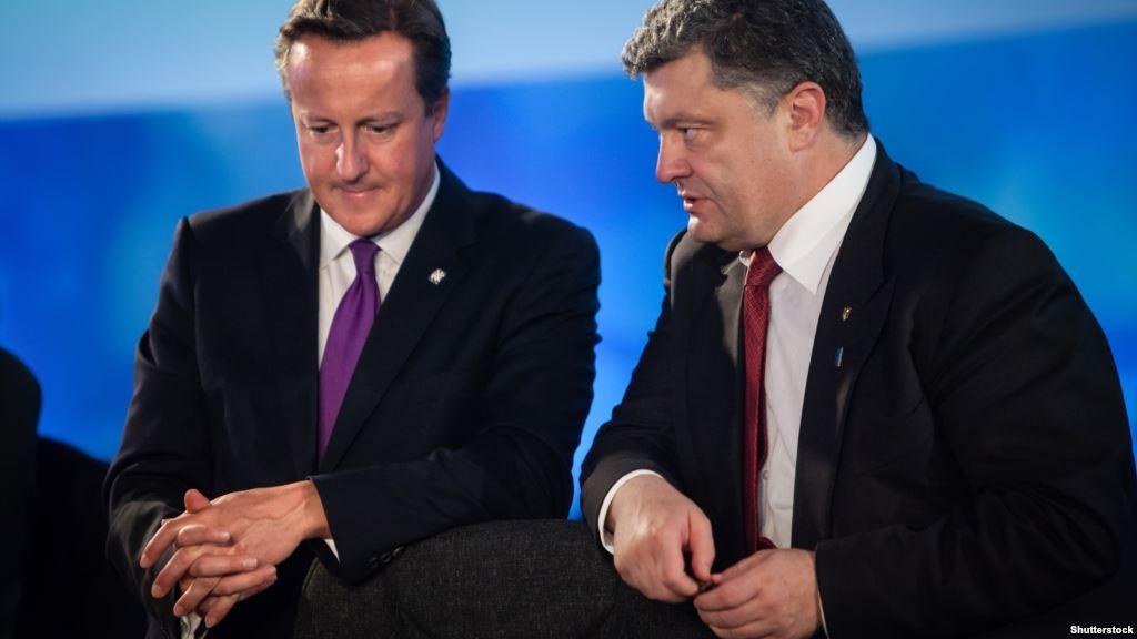 У ході телефонної розмови з прем'єр-міністром Великобританії Девідом Кемероном Петро Порошенко нагадав останньому, що Україна все ще чекає на сигнали ЄС щодо своїх євроінтеграційних перспектив.