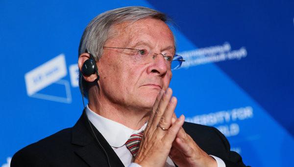 Колишній федеральний канцлер Австрії Вольфганг Шуссель на сторінках Die Presse пояснив, чому вважає Україну «відсталою» країною і коли Україна зможе провести реформи насправді.