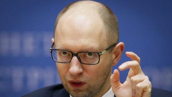 Прем'єр-міністр України Арсеній Яценюк заявив, що більшість українських громадян розуміє той факт, що захист України залежить від власних Збройних сил.
