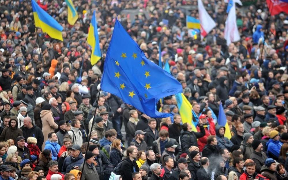 Українці тікають від війни і кризи в Європу, але там, незважаючи на лояльне ставлення простих європейців, їх зовсім не чекають з розкритими обіймами.