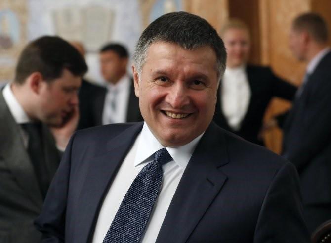 Незважаючи на запевнення міністра внутрішніх справ Арсена Авакова, нова патрульна служба у столиці запрацює лише на початку липня – та й то, якщо буде ухвалена остаточна редакція закону про нацполіцію.