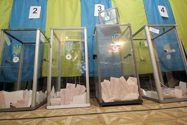 Заступник голови ЦВК Андрій Магера заявляє, що парламент не повинен відкладати прийняття нового закону про місцеві вибори на липень.