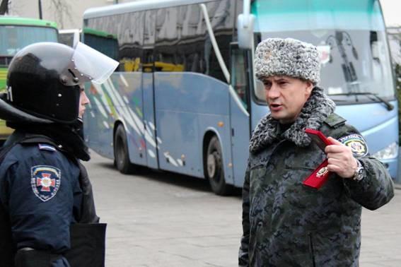 Колишнього командувача внутрішніх військ МВС України Станіслава Шуляка не будуть розшукувати по лінії Інтерполу начебто через ознаки його політичного переслідування на батьківщині.