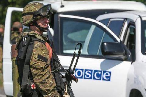 Моніторингова місія ОБСЄ на Донбасі зафіксувала неповне відведення обумовленої Мінськими домовленостями зброї обидвома сторонами конфлікту.