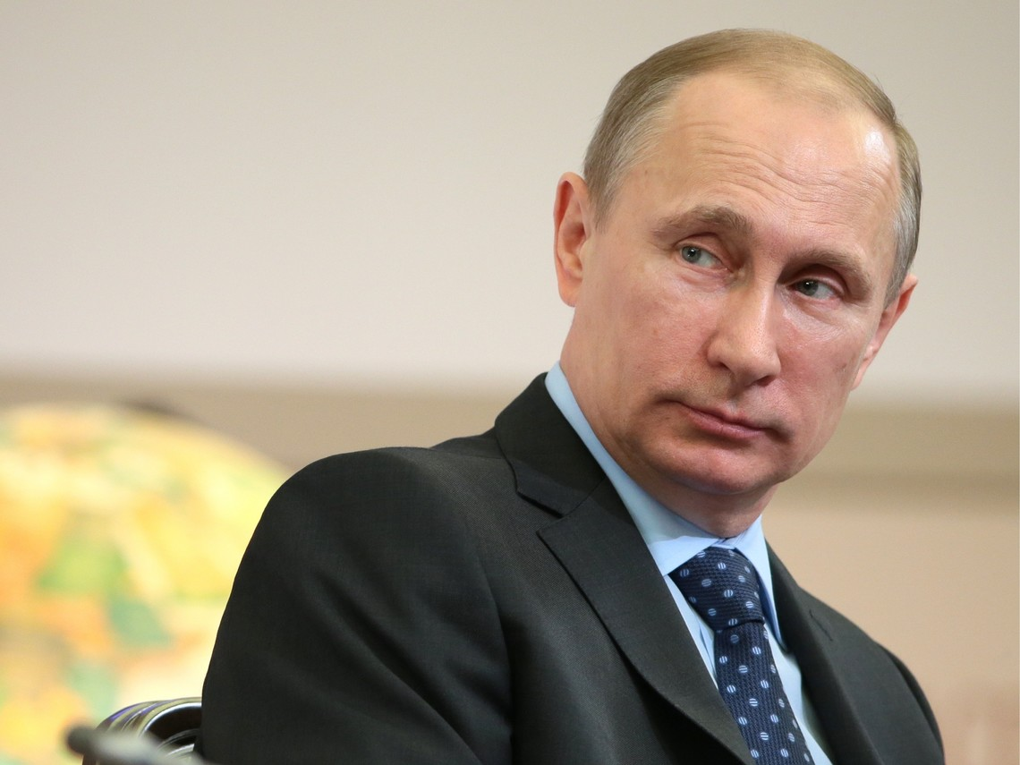 При нинішньому падінні цін на нафту Росія не може надавати Україні знижку на газ в колишньому обсязі. Про це заявив президент Росії Путін на нараді з членами уряду.