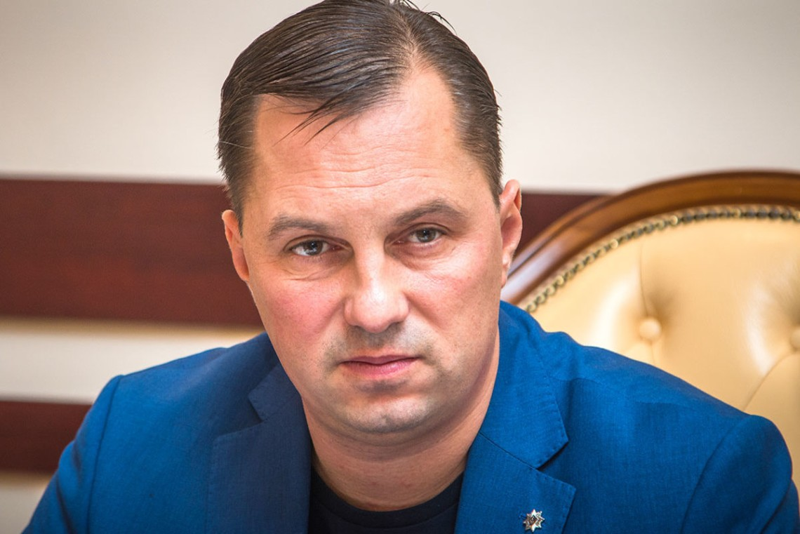 Национальное бюро задержало бывшего руководителя полиции Одесской области по делу растраты имущества и легализации средств.