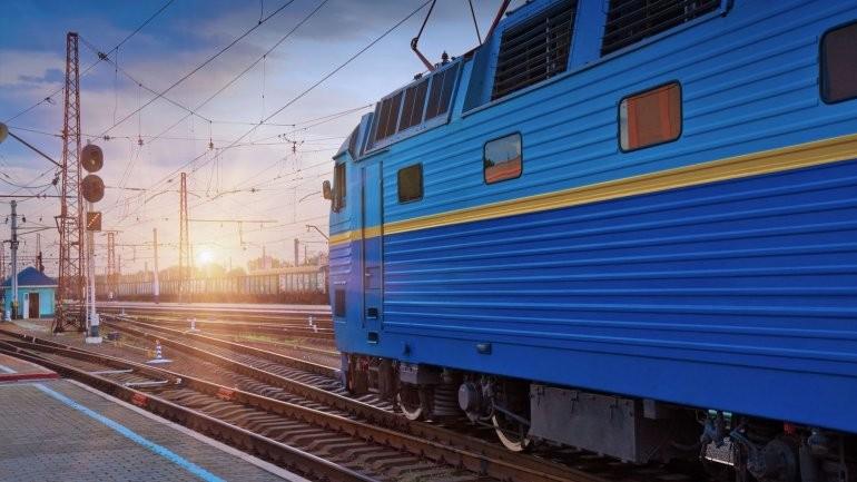 «Укрзализныця» наавгуст назначила дополнительный поезд Одесса-Днепр