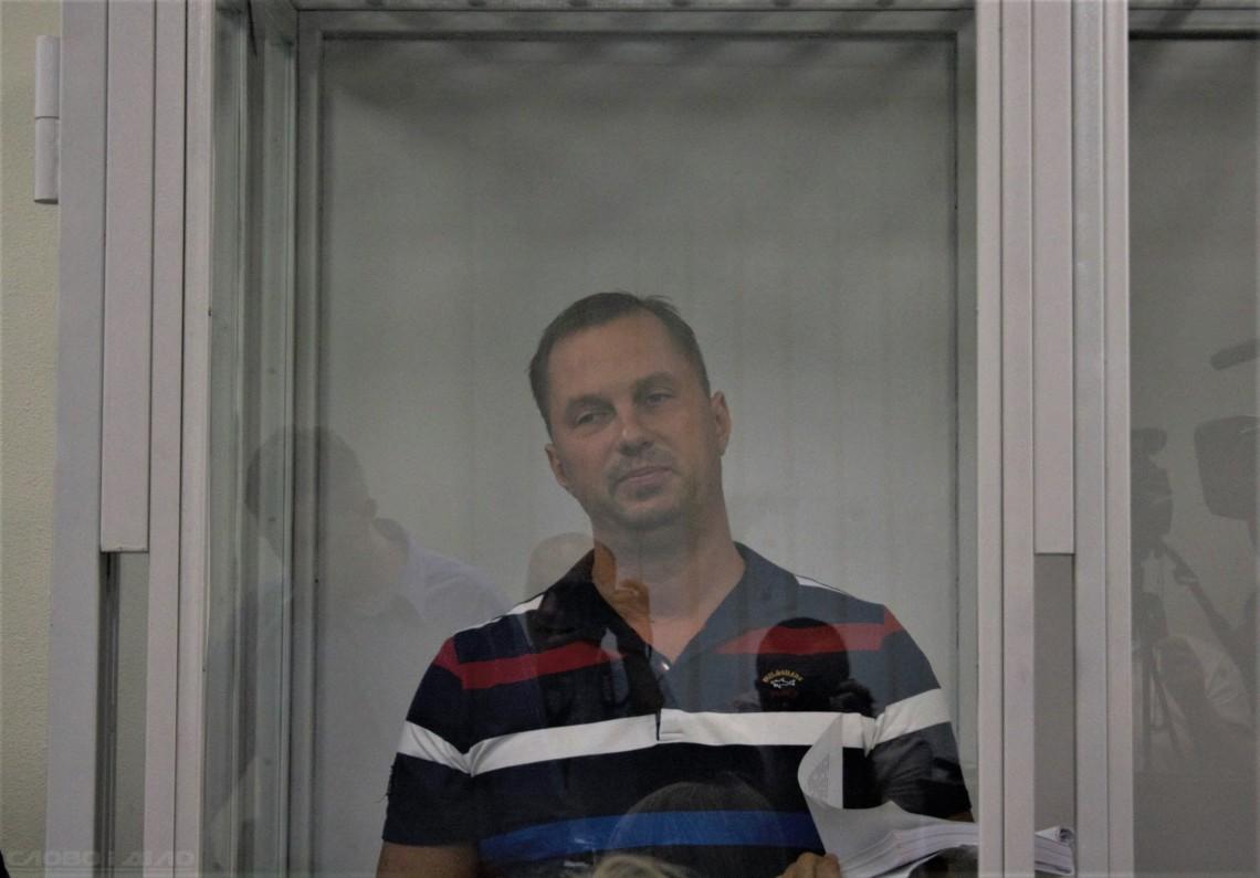 Апелляционный суд столицы оставил обе жалобы без удовлетворения, не изменив меру пресечения экс-руководителю одесской полиции.