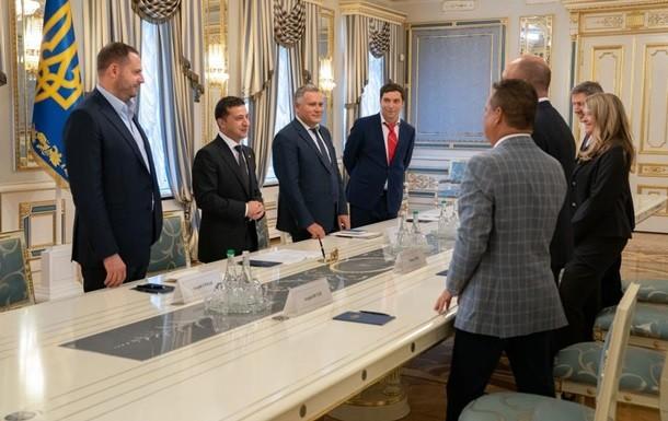 Володимир Зеленський в п'ятницю, 23 серпня, зустрівся з керівництвом Світового конгресу українців.