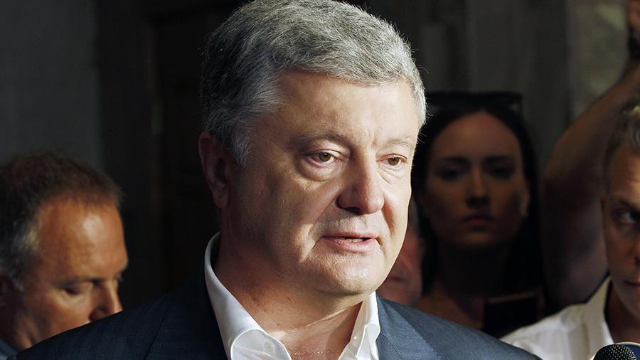 Порошенко вновь неприбыл вГБР, юрист  принес его показания