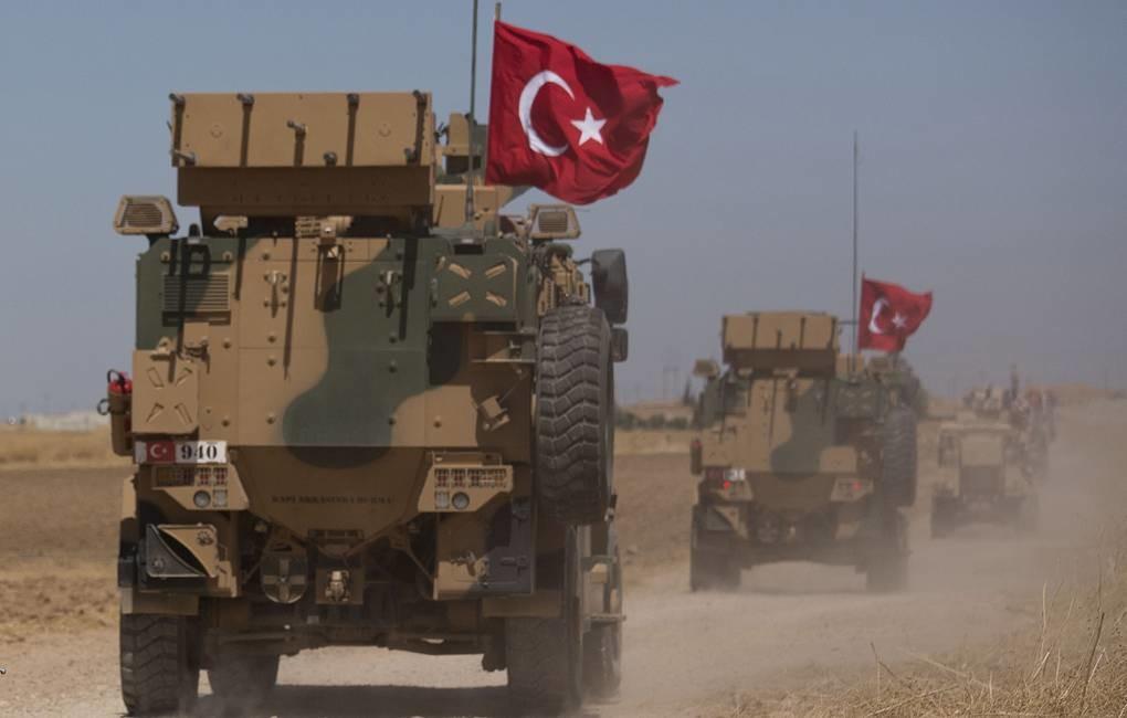 Військові підрозділи турецької армії в середу почали перетинати кордон з Сирією в регіоні, де Анкара має намір проводити операцію зі створення зони безпеки.