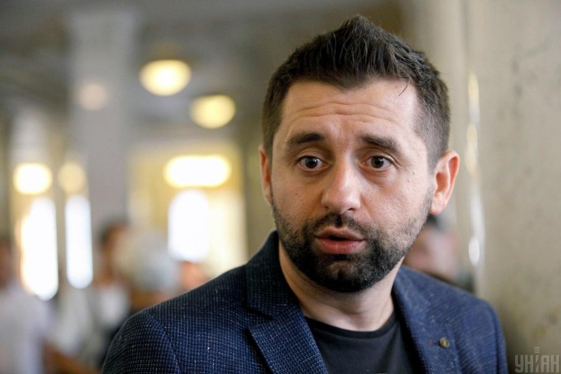 Суд отпустил мужа Скороход Алякина под ночной домашний арест