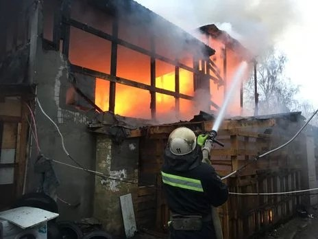 У Київській області в Яготині спалахнула пожежа в житловому будинку » Слово  і Діло