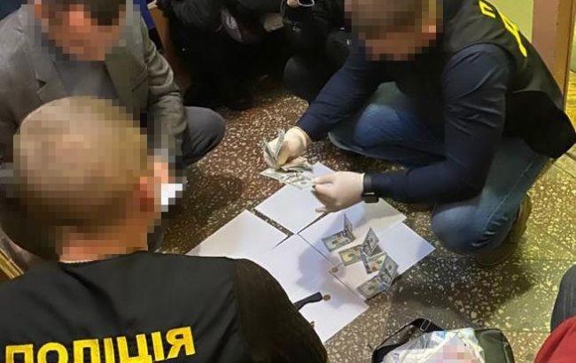 """Результат пошуку зображень за запитом Чиновник Тернопільської райадміністрації попався на хабарі"""""""