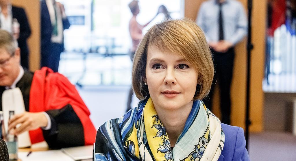 Олена Зеркаль звільнена з Міністерства закордонних справ » Слово і Діло