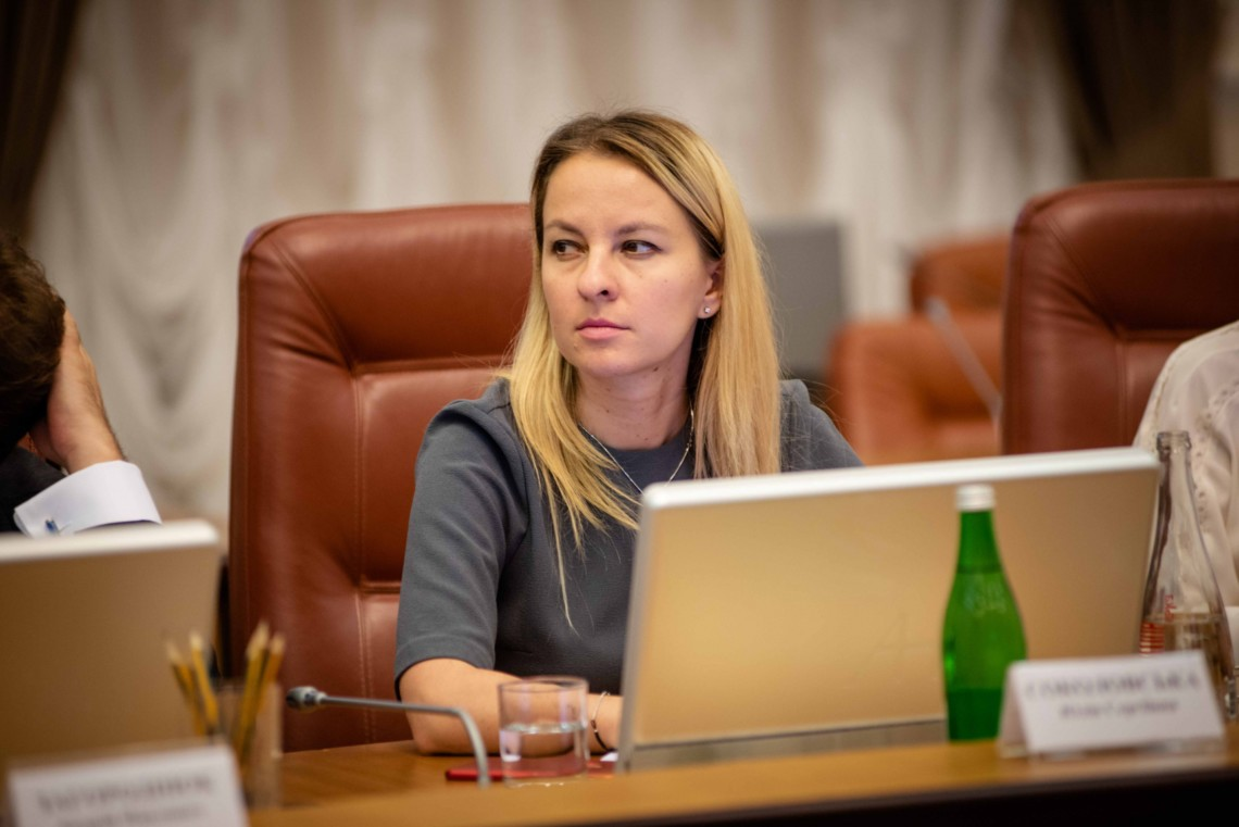 Міністр соцполітики Юлія Соколовська отримала премії за жовтень, листопад і грудень, а також допомогу на оздоровлення та вирішення соціально-побутових питань.
