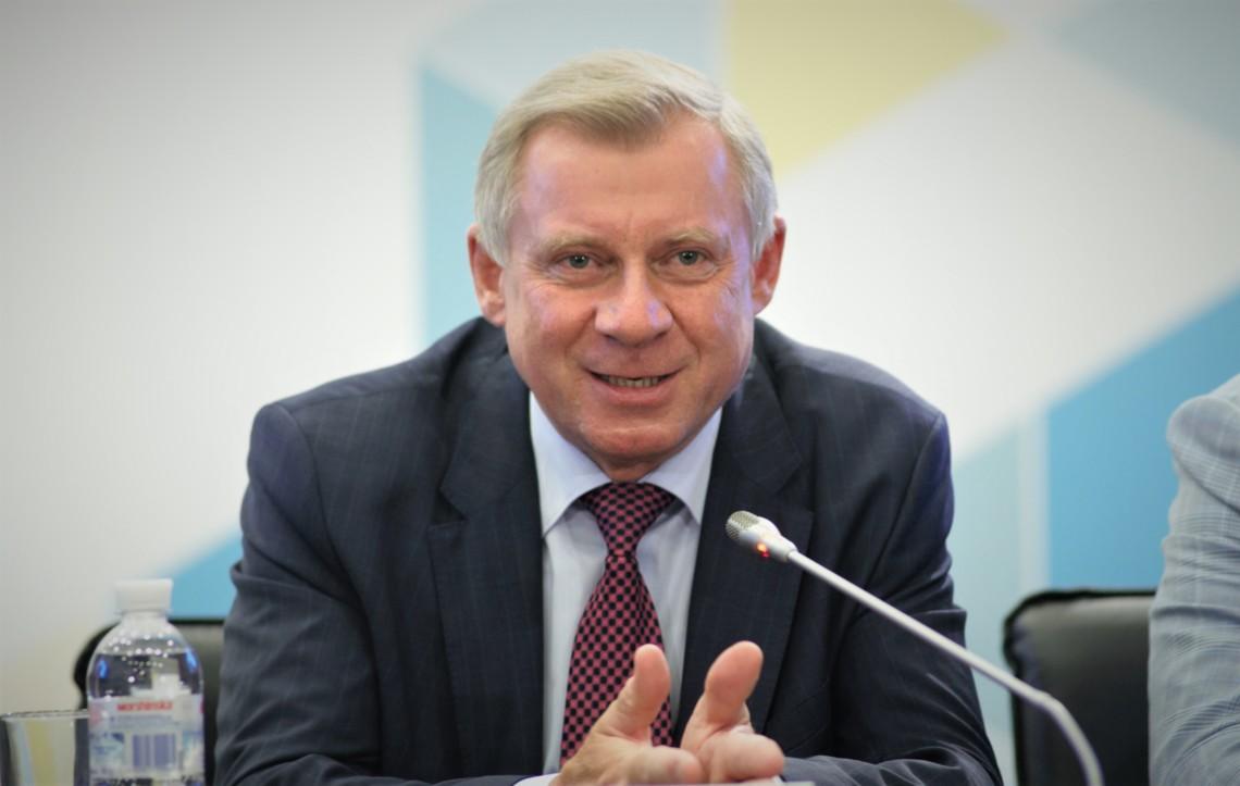 Глава Національного банку України Яків Смолій заробив у грудні 417 тисяч гривень. Його заступники – від 300 до 450 тисяч.