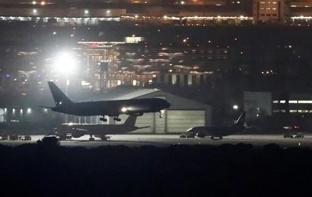 Самолёт Boeing 767 готовится каварийной посадке ваэропорту Мадрида