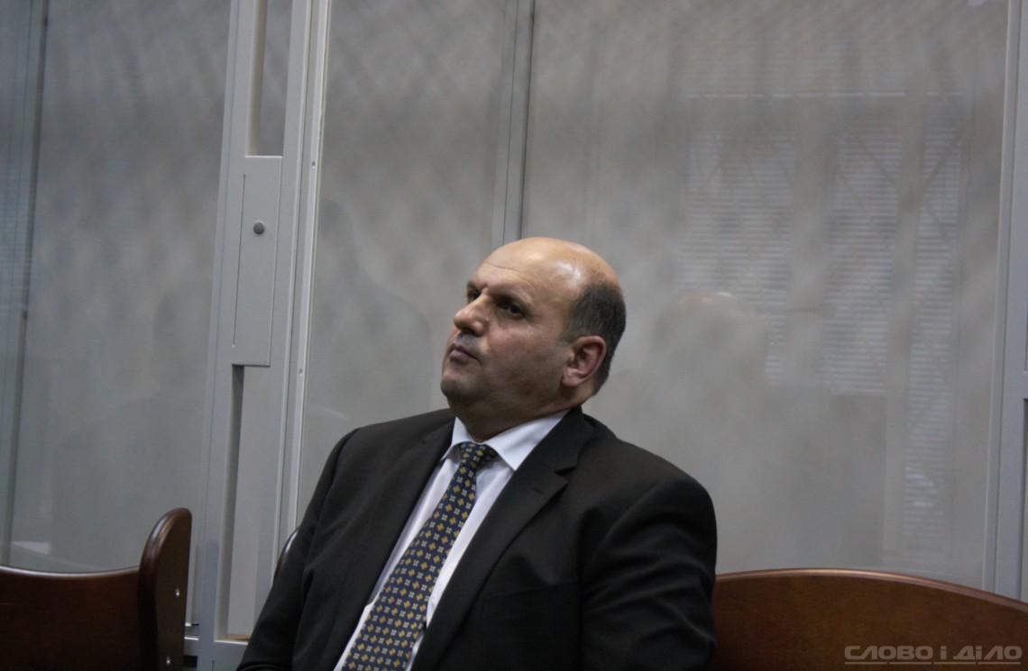 Антикорупційний суд розглянув клопотання детектива і прокурора про взяття під варту керівника Чернівецької облради.