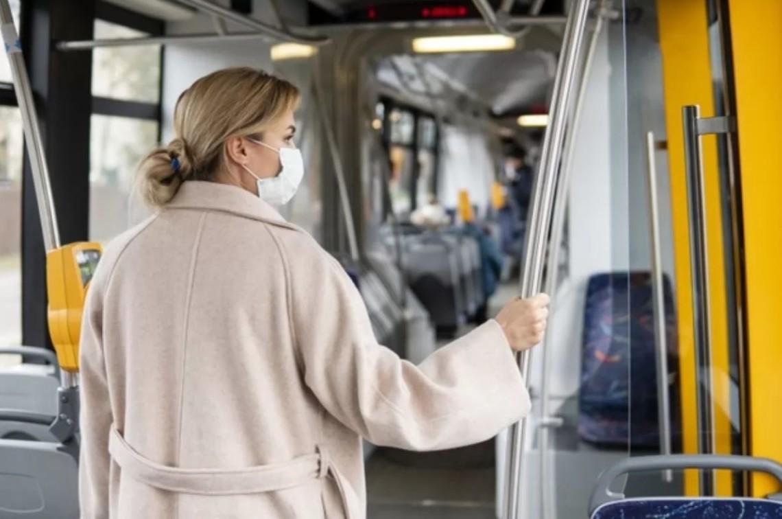 С 23 марта в Киеве ездить в общественном транспорте можно только по специальному пропуску. Ряд городов также ввели ограничения.