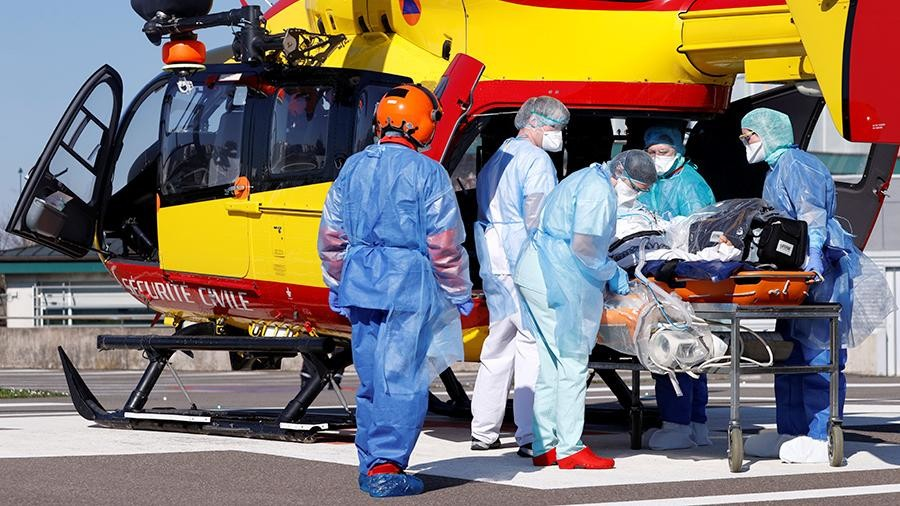 Франция перешла порог в 1 тыс  смертей отCOVID-19