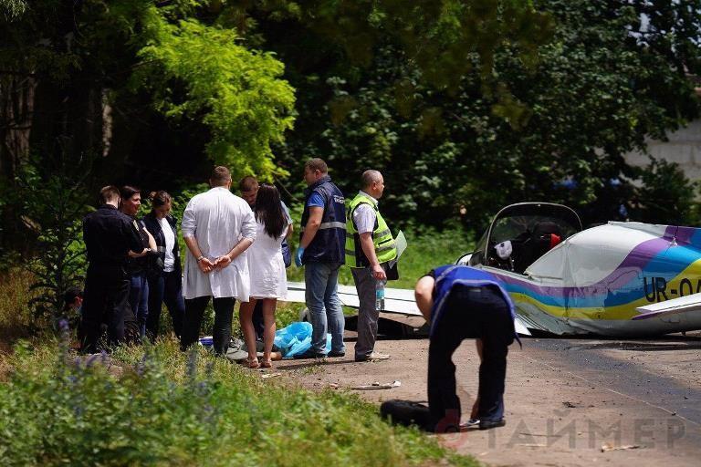 Лётчик-испытатель Юрий Жуковский, который находился на борту потерпевшего аварию 17 июня в Одессе самолёта «Дельфин», скончался в больнице.