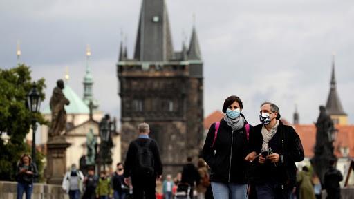 Чехия стала 2-ой  страной европейского союза , вкоторой объявлен строгий карантин