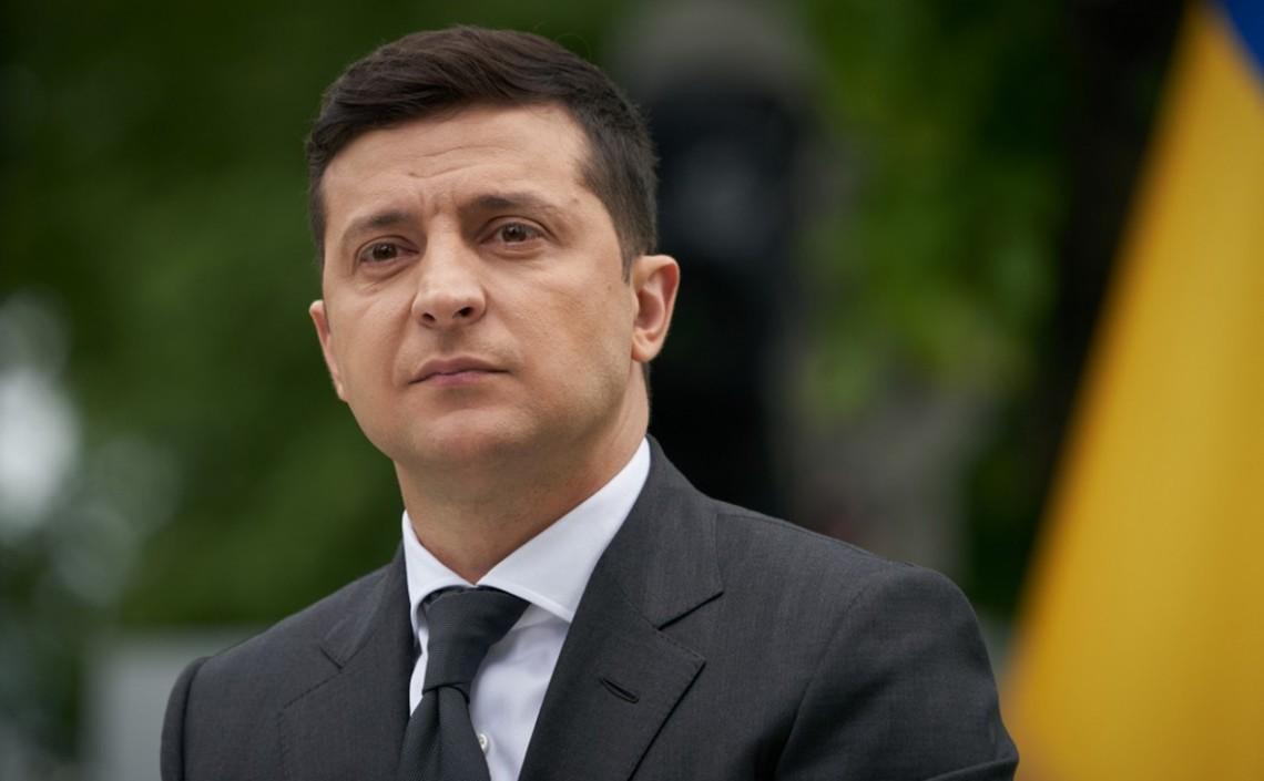 Глава держави Володимир Зеленський звільнив голову Чернігівської районної державної адміністрації, якого на початку листопада затримали на хабарі.