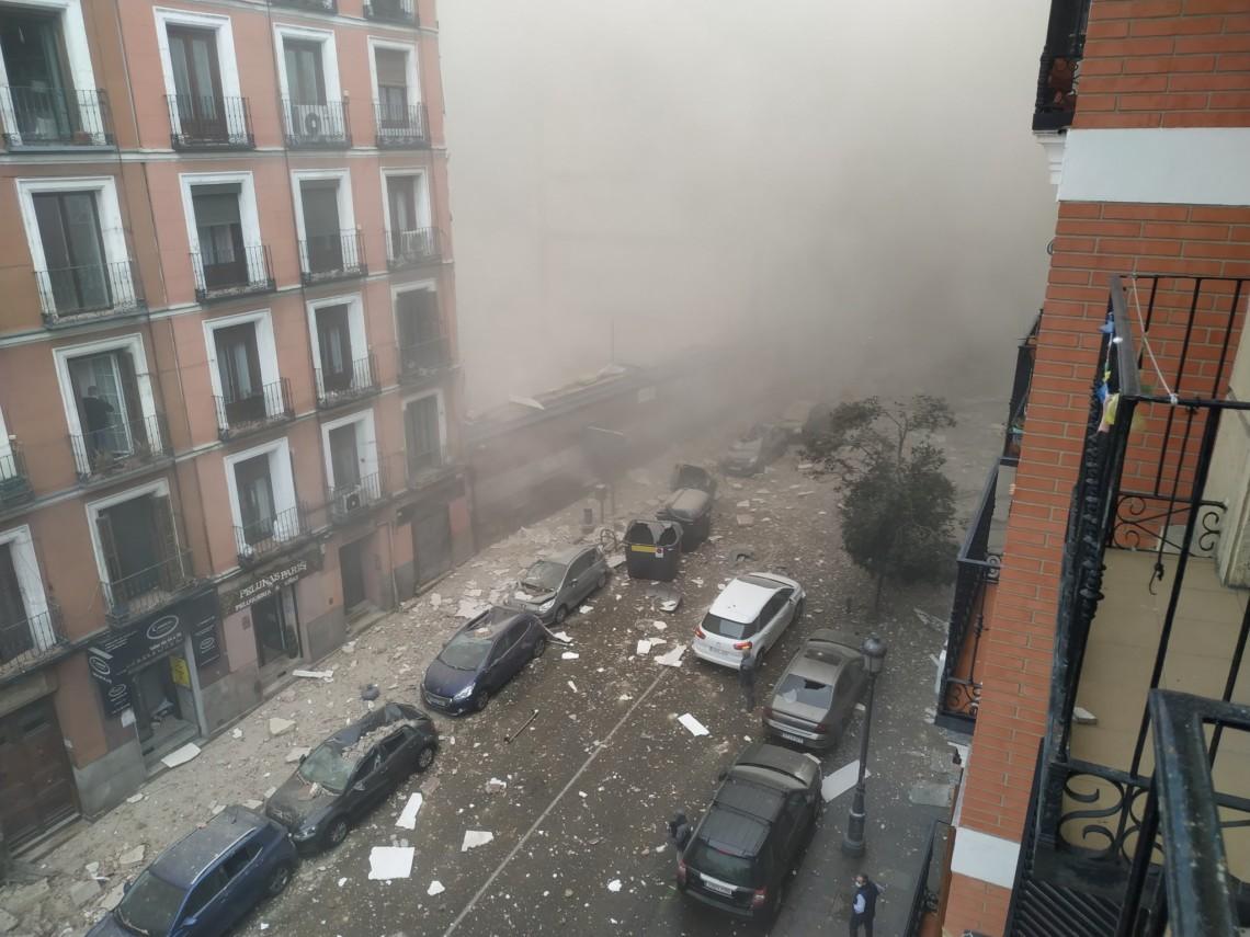 У центрі Мадрида сьогодні, 20 січня, стався потужний вибух. У результаті пошкоджено три верхніх поверхи будівлі.