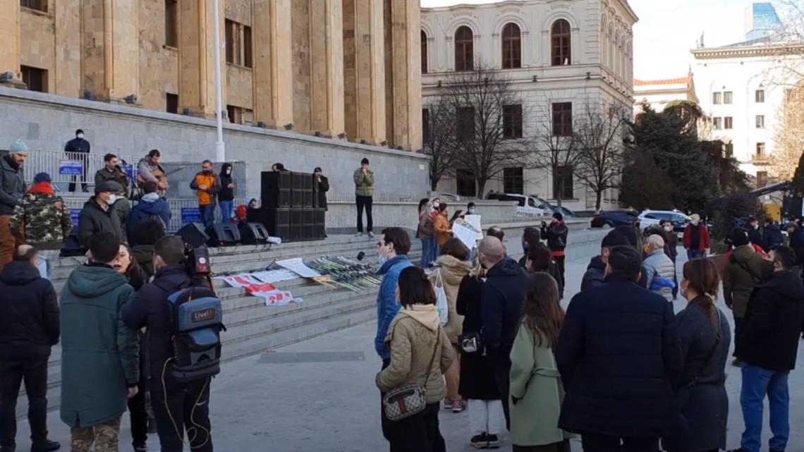 В субботу, 6 февраля, в Грузии началась масштабная акция протеста представителей сферы услуг против введенных в стране карантинных ограничений.