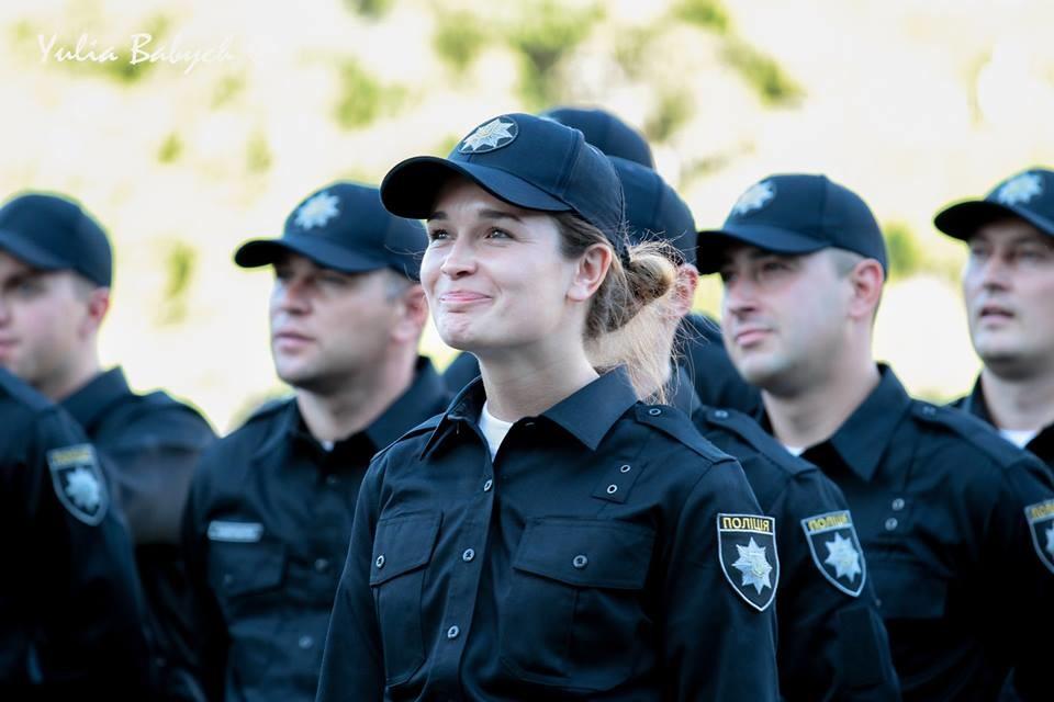 Народний депутат та помічник міністра внутрішніх справ Антон Геращенко стверджує, що нова поліція має не тільки цілком оновлений рядовий склад, але й керівництво.