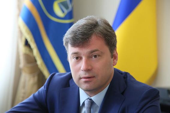 В Державній фіскальній службі України пропонують зробити роботу конвертаційних центрів надто ризикованою та дорогою, аби змусити бізнес платити податки «по-білому».