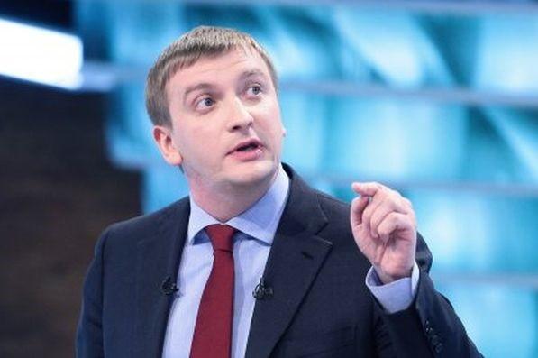 У Державній фіскальній службі вперто не бажають люструвати власних працівників, каже міністр юстиції Павло Петренко.