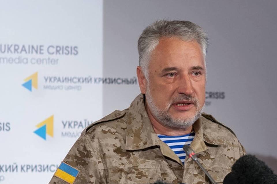 Голова Донецької ВЦА прогнозує початок роботи пілотного логістичного центру, що дозволить скоротити черги на лінії розмежування на в'їзду в АТО на 30%.