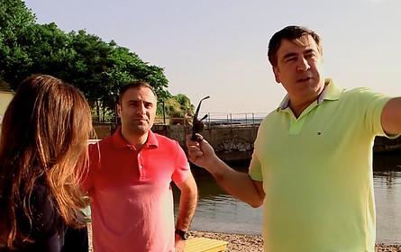 Губернатор Одеської області Міхеїл Саакашвілі звернувся до голови СБУ та Держприкордонслужби за підтримкою у демонтажі огорож навколо платних пляжів Одеси.