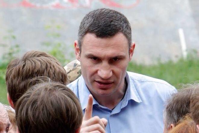 Голова КМДА Віталій Кличко порадив чиновникам звітувати про корупцію із заздалегідь написаною заявою про звільнення.